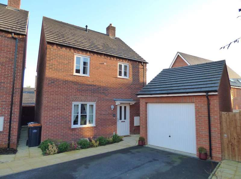 3 Bedrooms Detached House for sale in Flamville Road, Bedford, MK41 0FJ