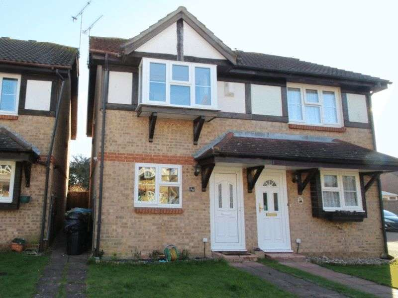 3 Bedrooms Semi Detached House for sale in Grassmere Close, Littlehampton