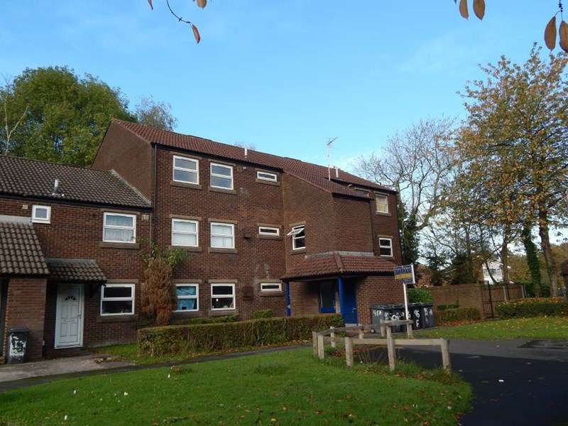 2 Bedrooms Flat for sale in Alderfield, Preston, PR1