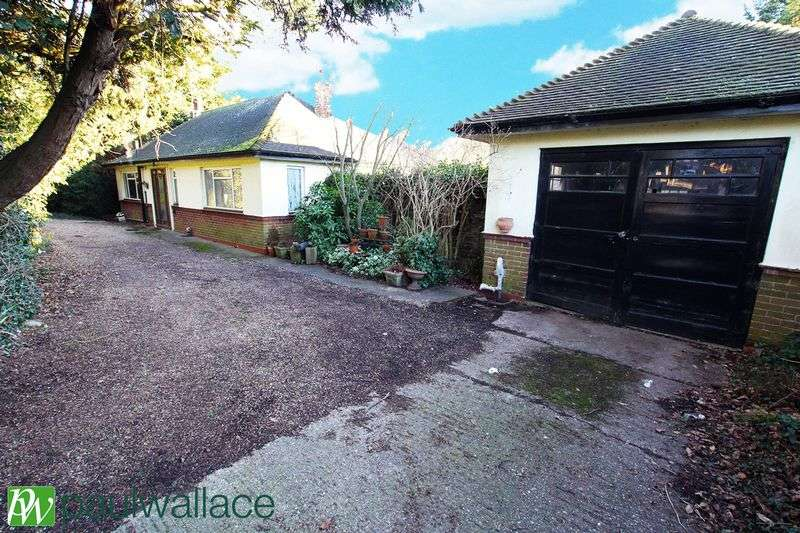 2 Bedrooms Detached Bungalow for sale in Hoe Lane, Nazeing