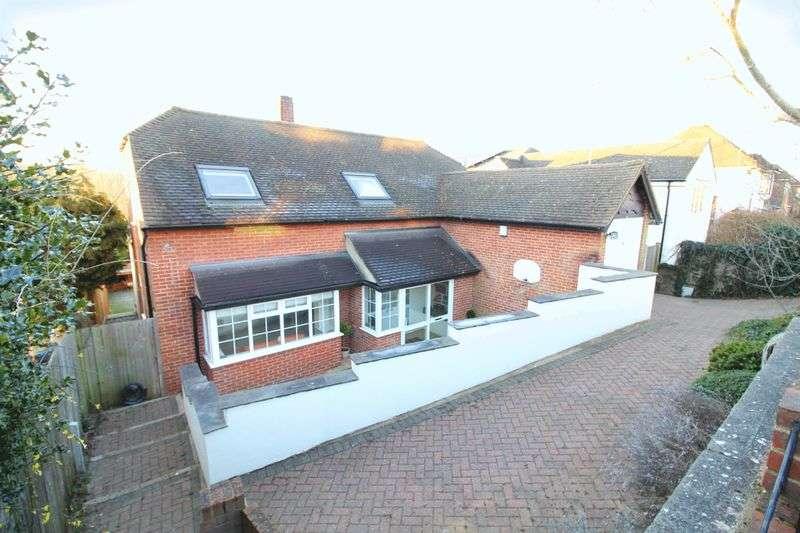 5 Bedrooms Detached House for sale in Westfield Avenue. Sanderstead, Surrey