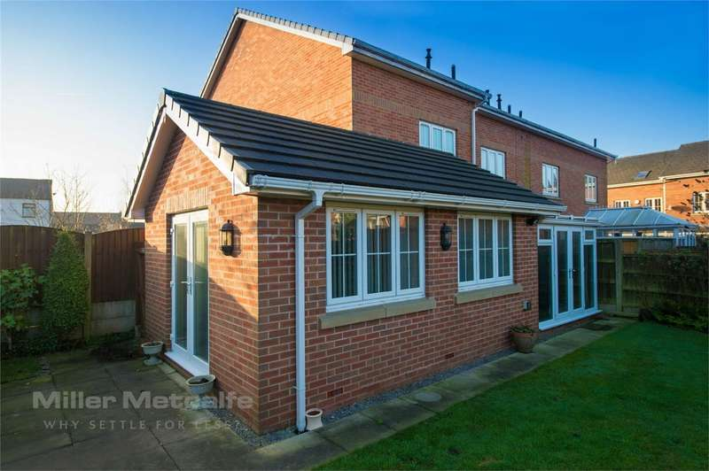 4 Bedrooms Semi Detached House for sale in Marsh Fold, Westhoughton, Bolton, Lancashire