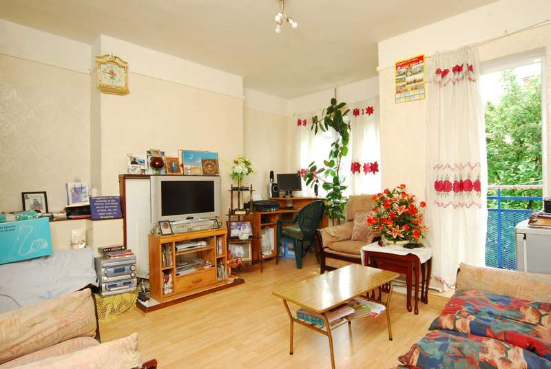 3 Bedrooms Flat for sale in Frampton Park Road, Victoria Park, E9