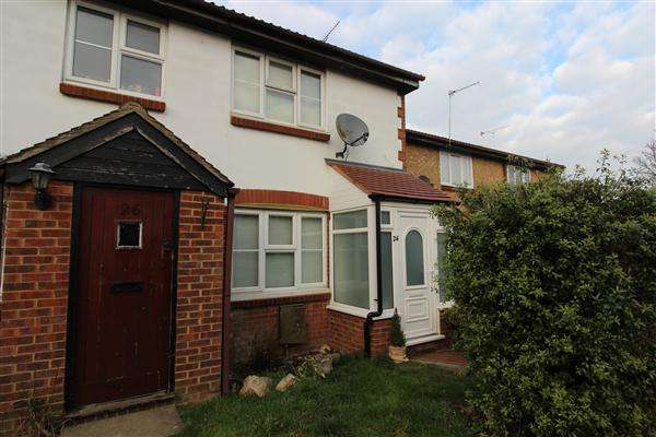 2 Bedrooms Terraced House for sale in Siskin Close, Borehamwood