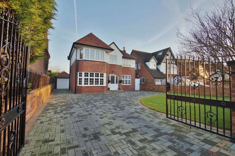 4 Bedrooms Detached House for sale in Hastings Road, Hillside