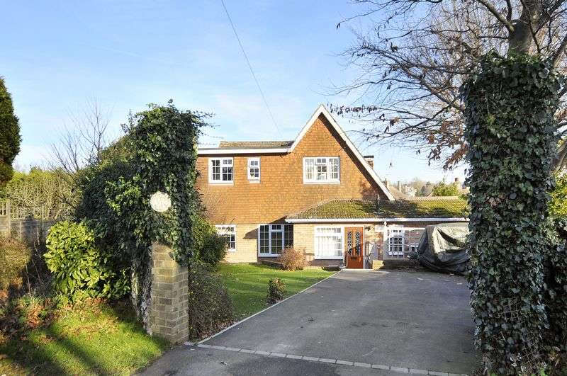 4 Bedrooms Detached House for sale in Drove Road, Brighton