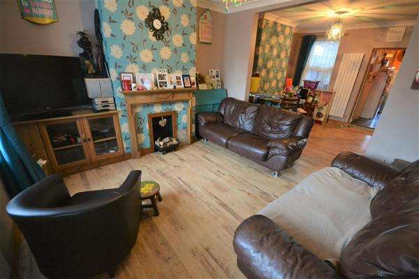 3 Bedrooms Terraced House for sale in Prospect Place, Grays