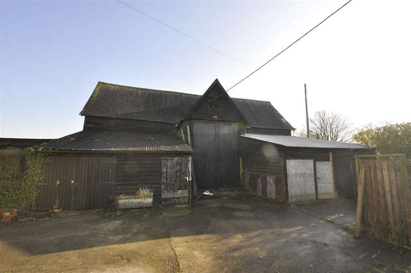 4 Bedrooms Detached House for sale in Green End Farm, Chelmsford Road, Barnston
