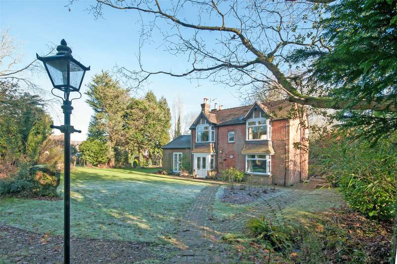 4 Bedrooms Detached House for sale in Oaks Lane, Mid Holmwood, Dorking, Surrey, RH5