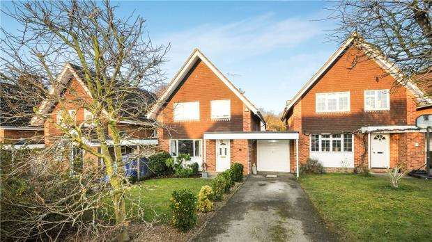 4 Bedrooms Detached House for sale in Nash Gardens, Ascot, Berkshire
