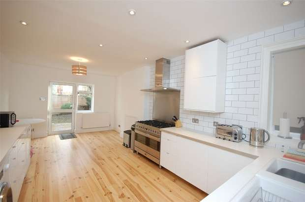 4 Bedrooms Terraced House for sale in St Johns Avenue, Harlesden, London