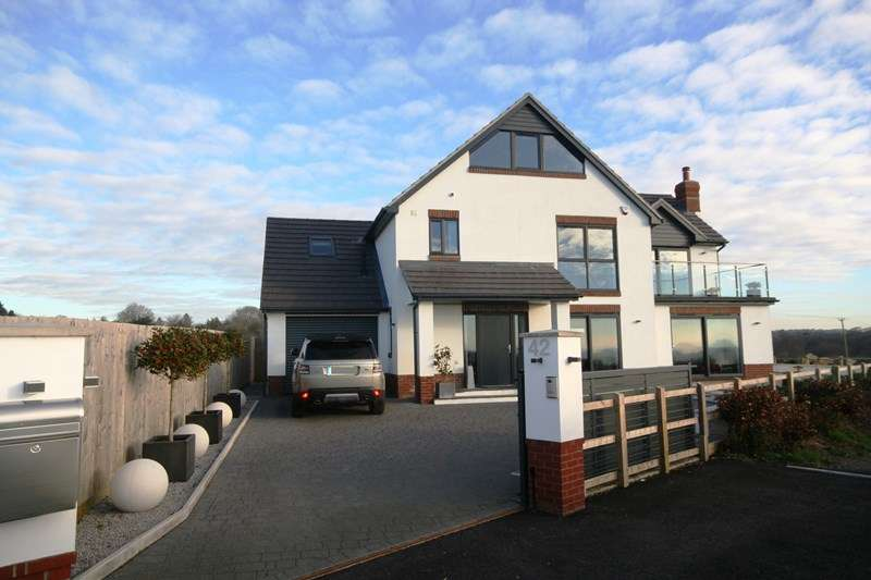 4 Bedrooms Detached House for sale in Glebe Road, Lytchett Matravers, Poole