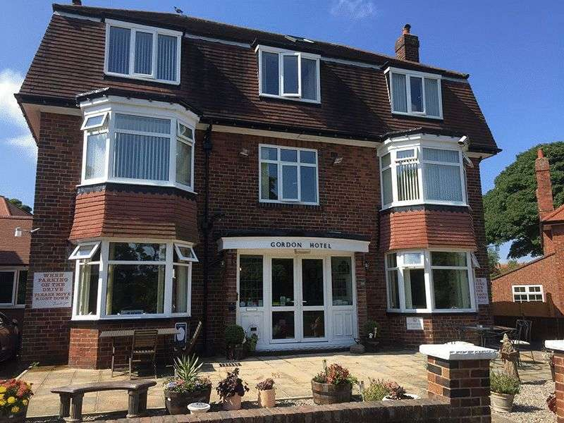 11 Bedrooms Detached House for sale in Ryndleside, Scarborough
