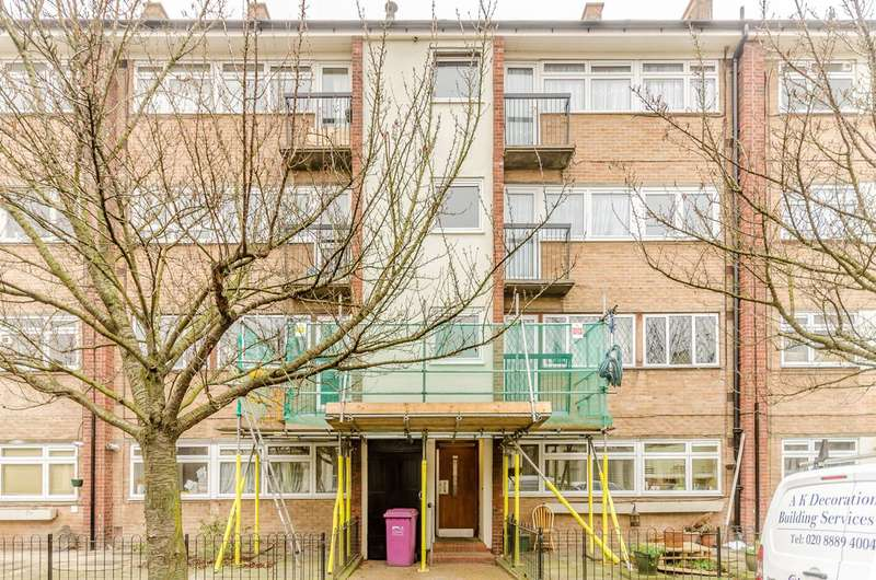 3 Bedrooms Flat for sale in Robinson Road, Bethnal Green, E2
