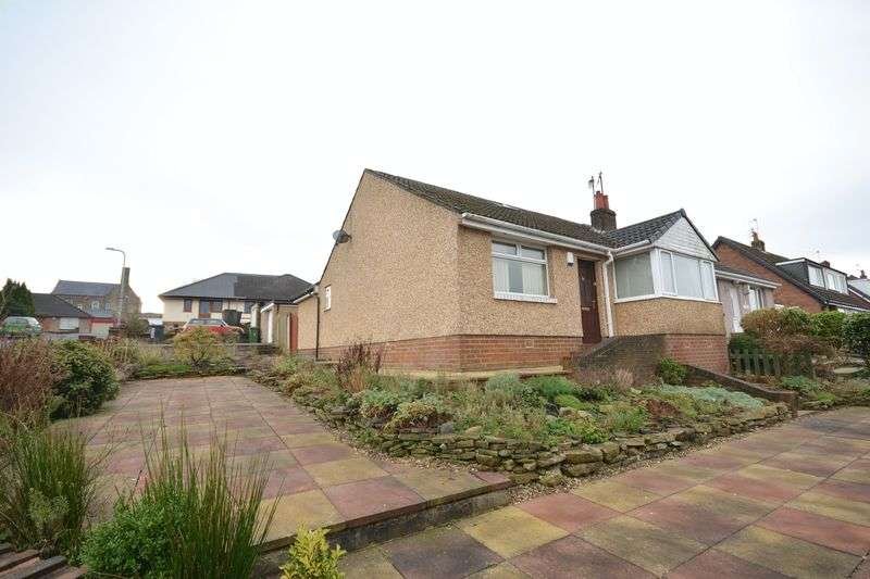 3 Bedrooms Semi Detached Bungalow for sale in Cornwall Road, Rishton