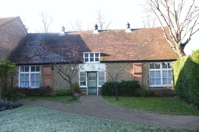 1 Bedroom Flat for sale in Hertswood Court, Barnet