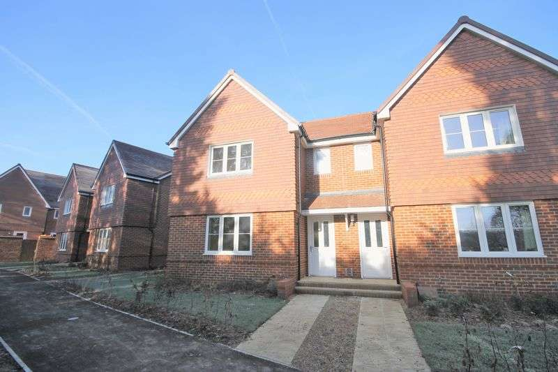 3 Bedrooms Semi Detached House for sale in The Croft, Burgess Hill, West Sussex