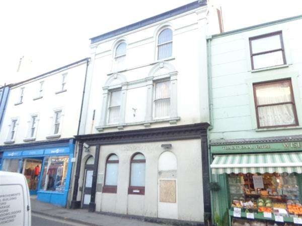 Commercial Property for sale in 21 Main Street