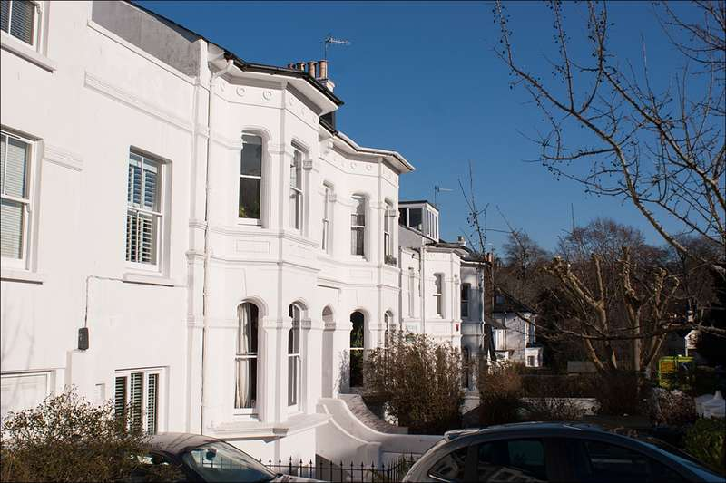 2 Bedrooms Flat for sale in Clermont Road, Brighton