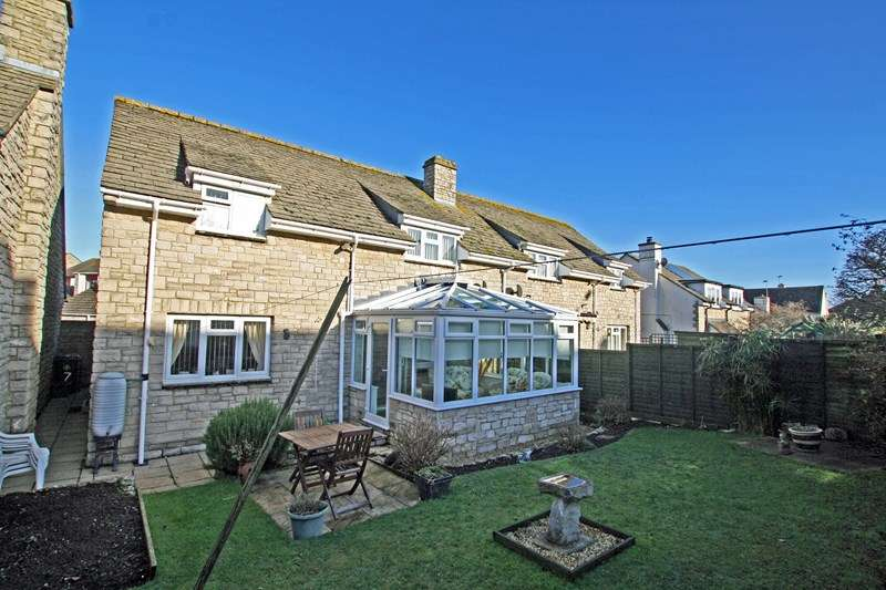 3 Bedrooms Semi Detached House for sale in Newton Manor Close, Swanage