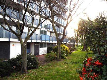 2 Bedrooms Flat for sale in Walmer House, Bury Street, London