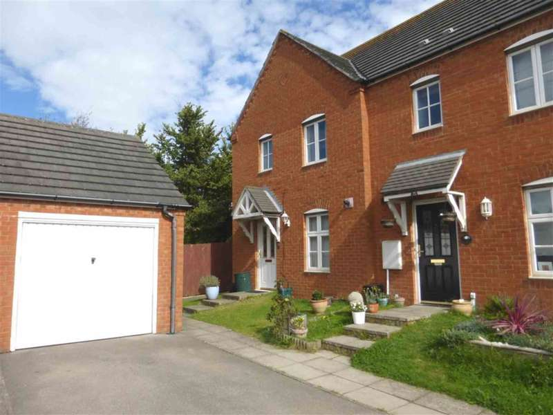 3 Bedrooms House for sale in Cwrt Newton Pool, Barry