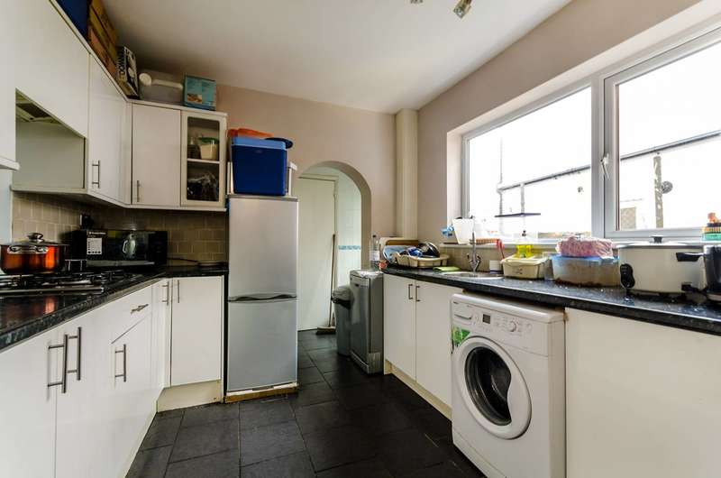 3 Bedrooms House for sale in Farnley Road, Selhurst, SE25