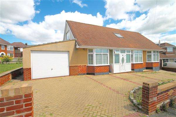 4 Bedrooms Detached House for sale in Priory View Road, Bournemouth
