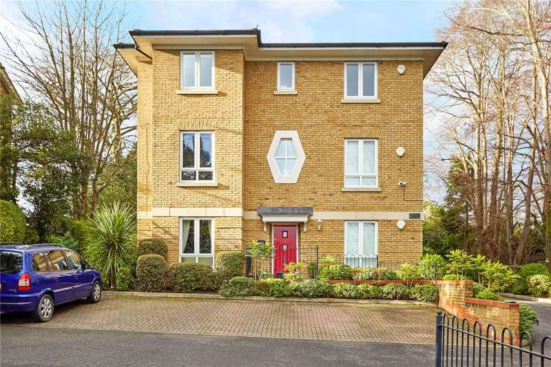 2 Bedrooms Flat for sale in Bloomsbury Court, Tupwood Lane, Caterham, CR3