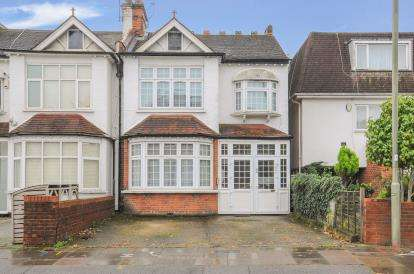 2 Bedrooms Flat for sale in Granville Road, North Finchley