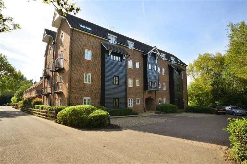 2 Bedrooms Property for sale in Ridge House, Springwell Lane, Rickmansworth, WD3