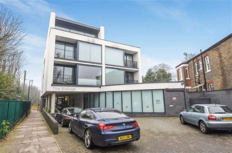 1 Bedroom Property for sale in Station Road, Hampton Wick, Kingston Upon Thames