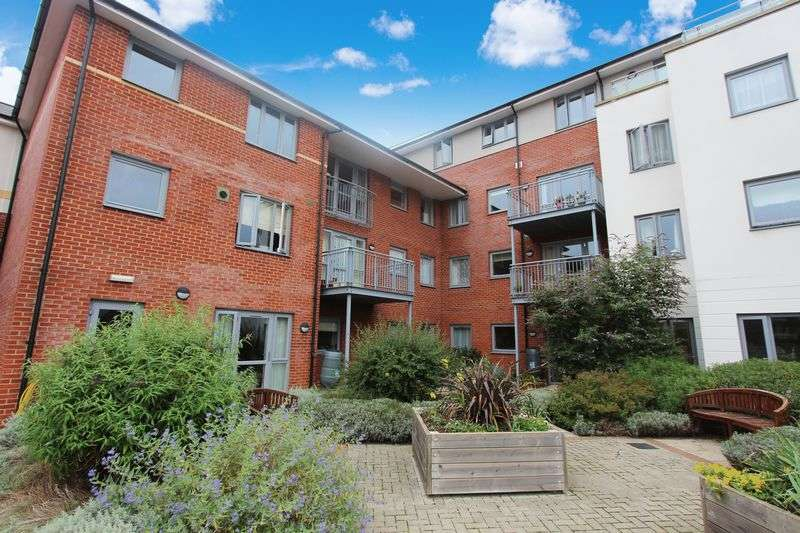 1 Bedroom Retirement Property for sale in Catherine Court, Sopwith Road, Eastleigh