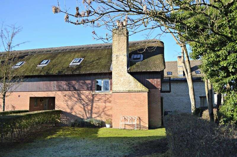 3 Bedrooms Cottage House for sale in Carps Rise, 42 Mill Lane, Cirencester