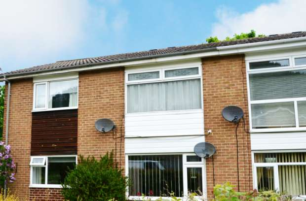 2 Bedrooms Flat for sale in Aldenham Road, Guisborough, Cleveland, TS14 8LD