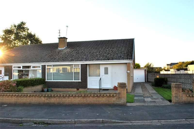 3 Bedrooms Semi Detached Bungalow for sale in Waddington Road, LYTHAM ST ANNES, FY8
