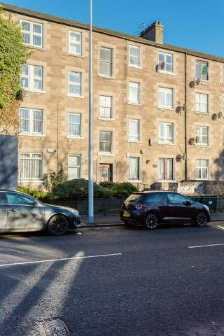 2 Bedrooms Flat for sale in Dens Road, Dundee, Angus, DD3 7HU