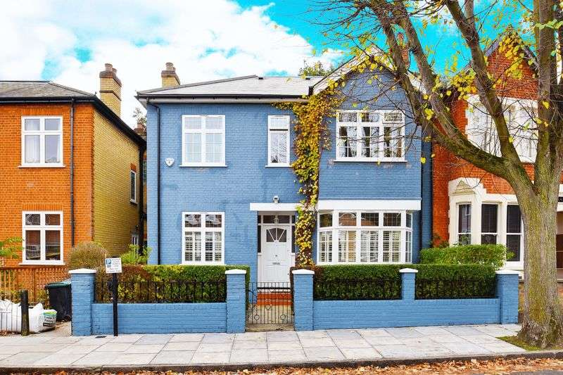 5 Bedrooms Terraced House for sale in Ossian Road, N4