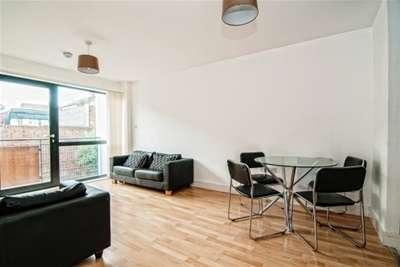 2 Bedrooms Flat for rent in Sefton Street, L8