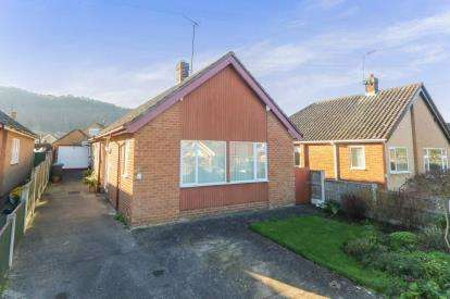 2 Bedrooms Bungalow for sale in Marford Drive, Abergele, Conwy, LL22