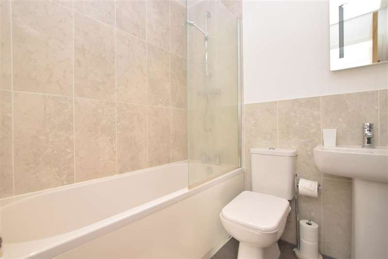 2 Bedrooms Apartment Flat for sale in Wickham Road, Fareham, Hampshire