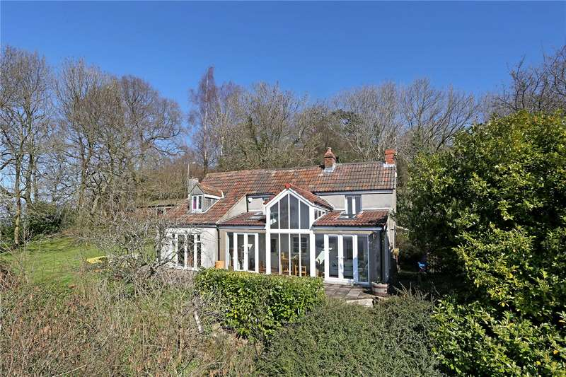4 Bedrooms Detached House for sale in Old London Road, Wotton-under-Edge, Gloucestershire, GL12