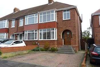 3 Bedrooms House for sale in Lower Farlington Road, Portsmouth, PO6 1JQ