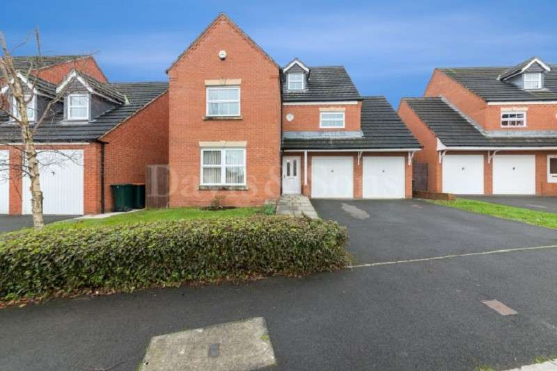 5 Bedrooms Detached House for sale in Ffordd Camlas , Rogerstone, Newport. NP10 9LW