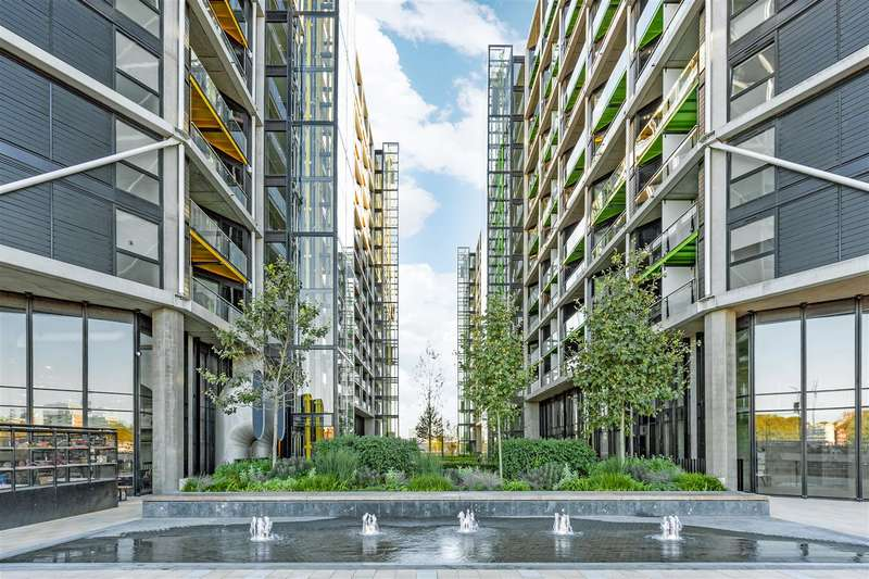 2 Bedrooms Flat for sale in 4 Riverlight Quay, Nine Elms Lane, London, SW11