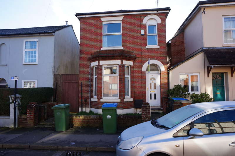 6 Bedrooms Detached House for rent in Padwell Road ,