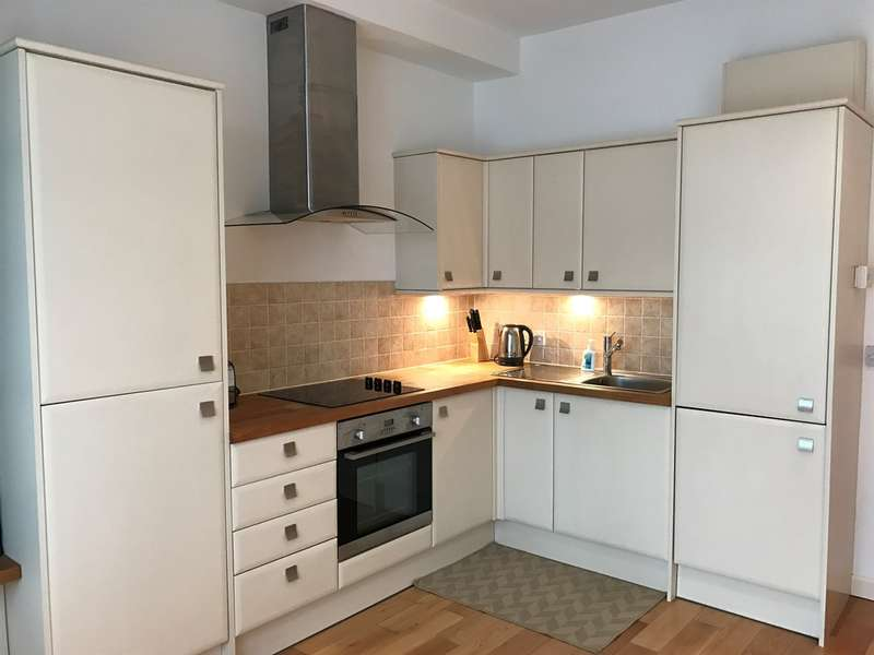 1 Bedroom Apartment Flat for sale in Oystermouth Road, Swansea