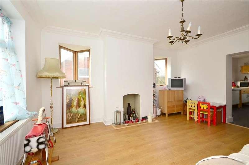 4 Bedrooms Detached House for sale in St. Marys Road, Dymchurch, Romney Marsh, Kent