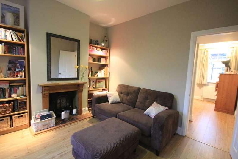 2 Bedrooms Terraced House for sale in Church Terrace, Reading, RG1