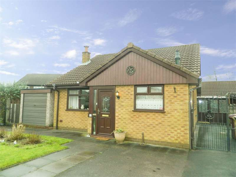 2 Bedrooms Detached Bungalow for sale in Charlock Avenue, Westhoughton, Bolton, Lancashire